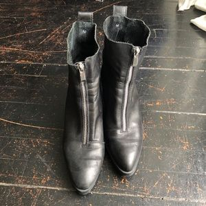 ZARA zip up pointed leather boots